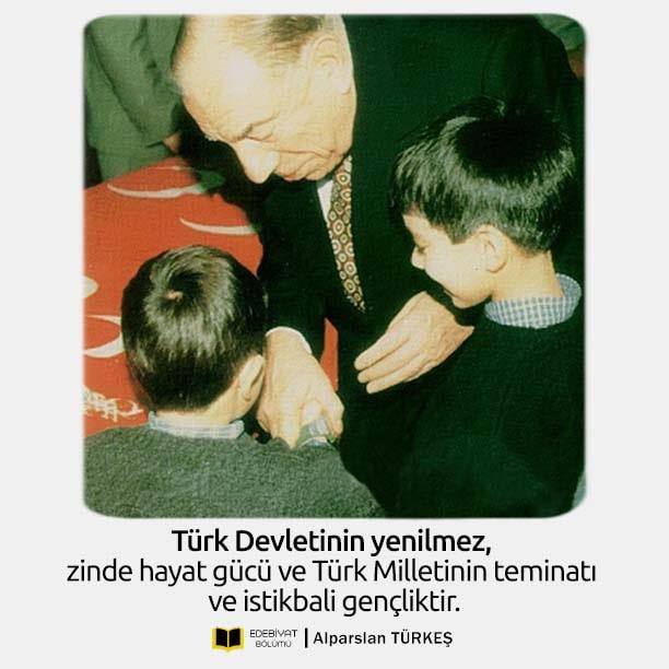 Başbuğ-Türkeş-Gençlik-Sözleri